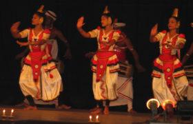kandi-natsionalnye-tantsy